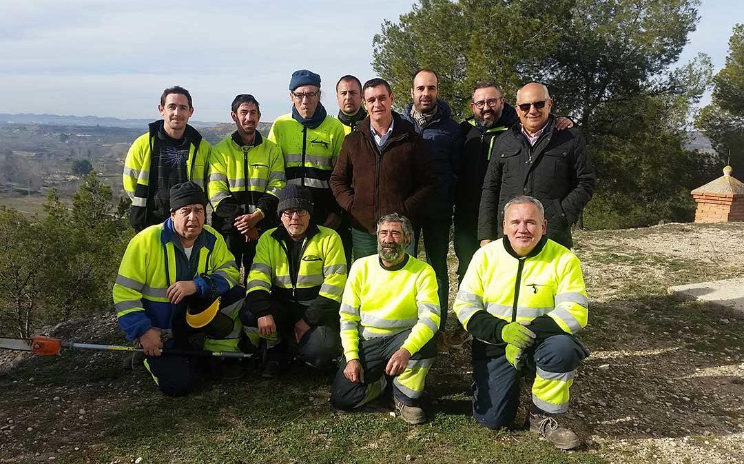 La brigada del Bajo Aragón realiza labores de poda en Castelserás
