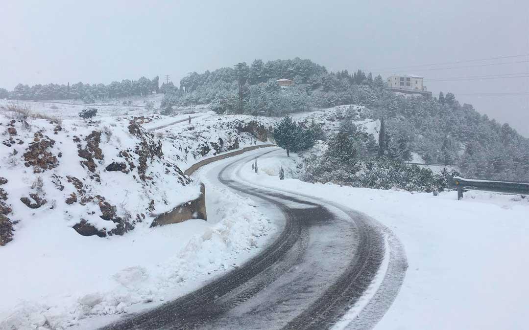 En la Villa Minera, desde el lunes a media mañana se ha cortado el acceso a la localidad por la N-232./ Ayuntamiento de Andorra.