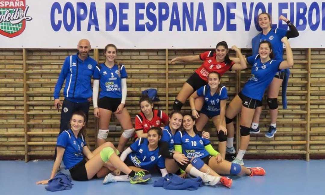 Las componentes del equipo juvenil del C.V. Alcañiz que estuvieron en Valladolid