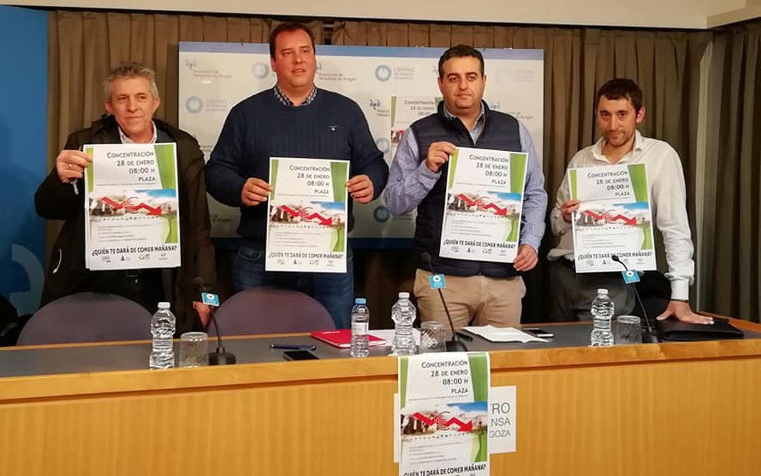 Los Secretarios Generales de UAGA, Asaja, Upa y Araga en la rueda de prensa de presentación de la concentración / UAGA