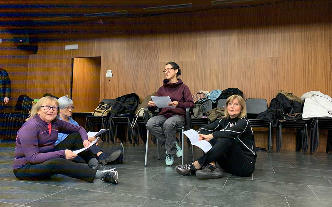 El Liceo ha acogido este jueves los ensayos de las escenas 'Tarsia Rizzari, una Reina para un Imperio' y 'Un trono vacante'./ Ayto. Alcañiz