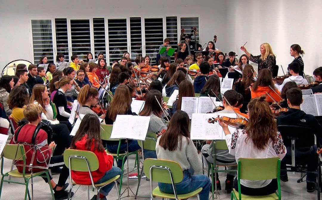 Los alumnos del Conservatorio de Alcañiz y Ginebra ensayan para el concierto de este sábado