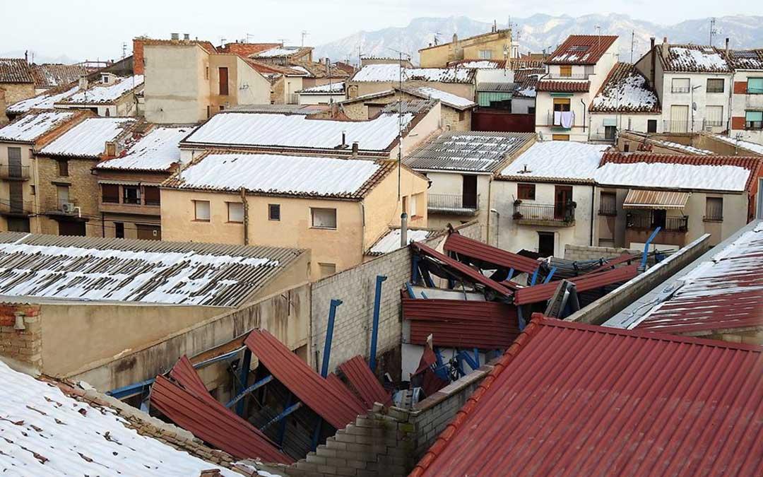 El molino de Torre Gachero en Cretas se derrumbó por el peso de la nieve. Foto: J.L.C