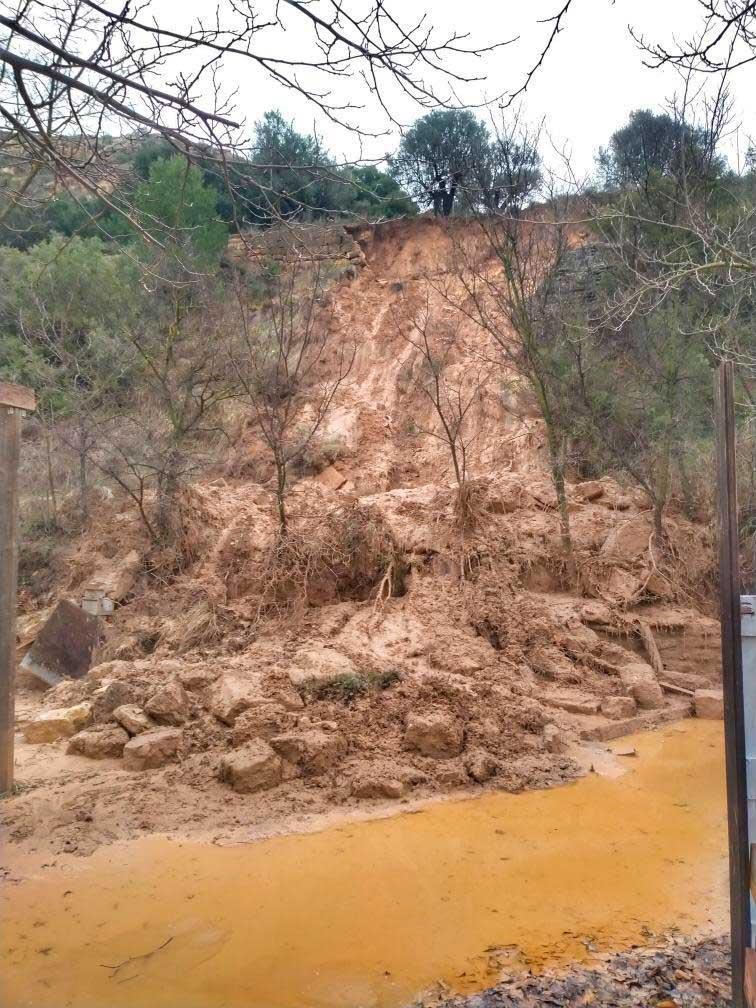 Derrumbe en el Camino del Ciprés, debajo de la roca del cristo (Alcañiz)./ María Obere