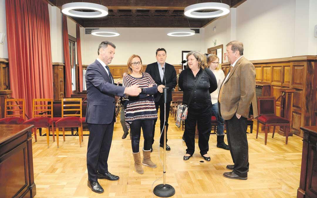 n La directora general de Justicia, la consejera de Presidencia y el presidente del Tribunal Superior de Justicia de Aragón fueron recibidos este lunes por el presidente de la Audiencia de Teruel / Jorge Escudero