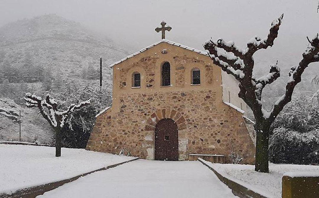 La nieve llega al Bajo Aragón y se espera que se recrudezca el temporal