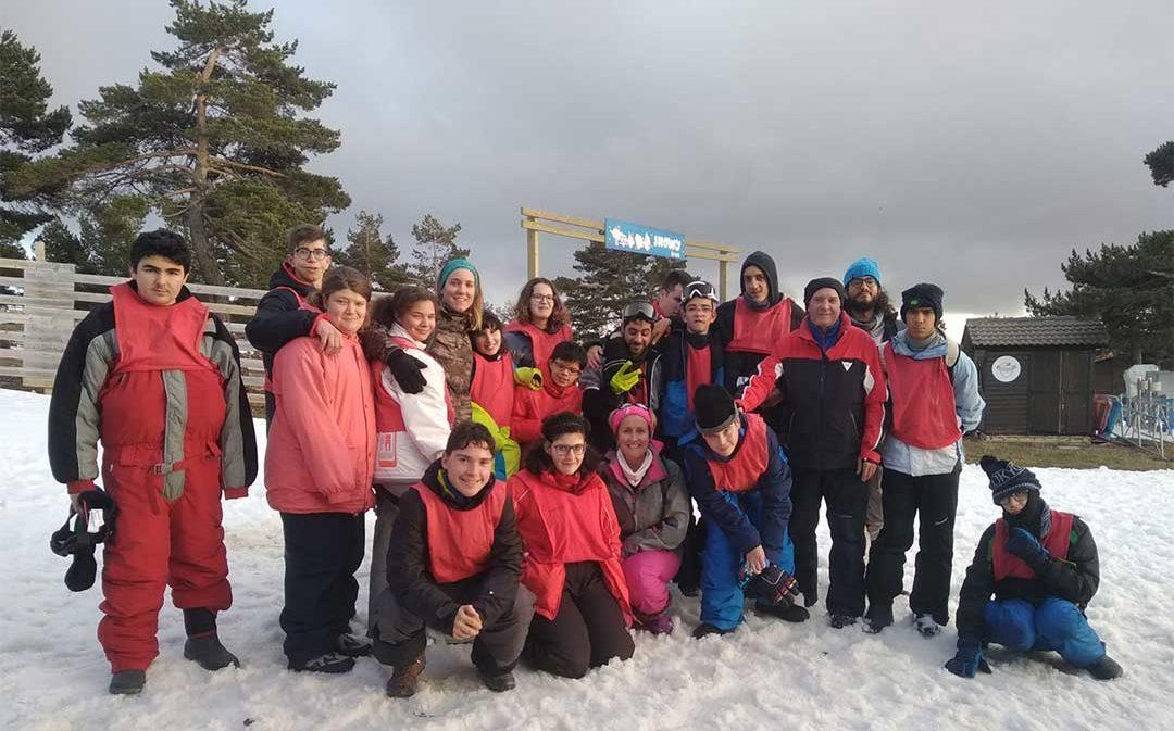 Los estudiantes del colegio Gloria Fuertes de Andorra disfrutan de la Campaña de Esquí Escolar