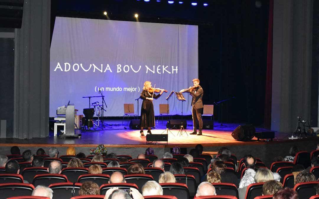 El Teatro Goya de Caspe se llena para el festival solidario a favor de un colegio de Senegal