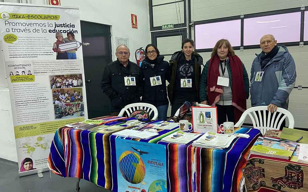 Mesa informativa sobre la labor que desarrolla la Fundación Itaka-Escolapios./ A.M.