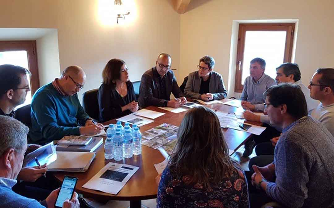 Reunión en La Mata con los representantes del Parque Cultural