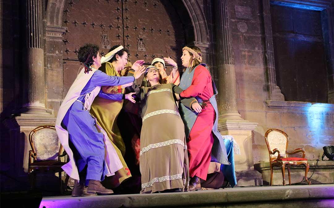 El papel de las mujeres fue muy importante en la primera fiesta de la Concordia en Alcañiz, celebrada en el mes de mayo.