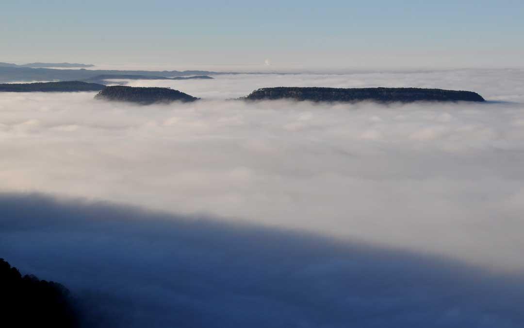 El gran banco de niebla de la depresión del Ebro visto desde los Puertos de Beceite.