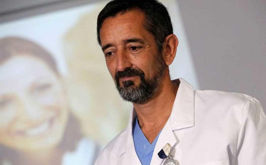El reconocido doctor Pedro Cavadas atenderá al joven Kamal atacado con ácido en Caspe