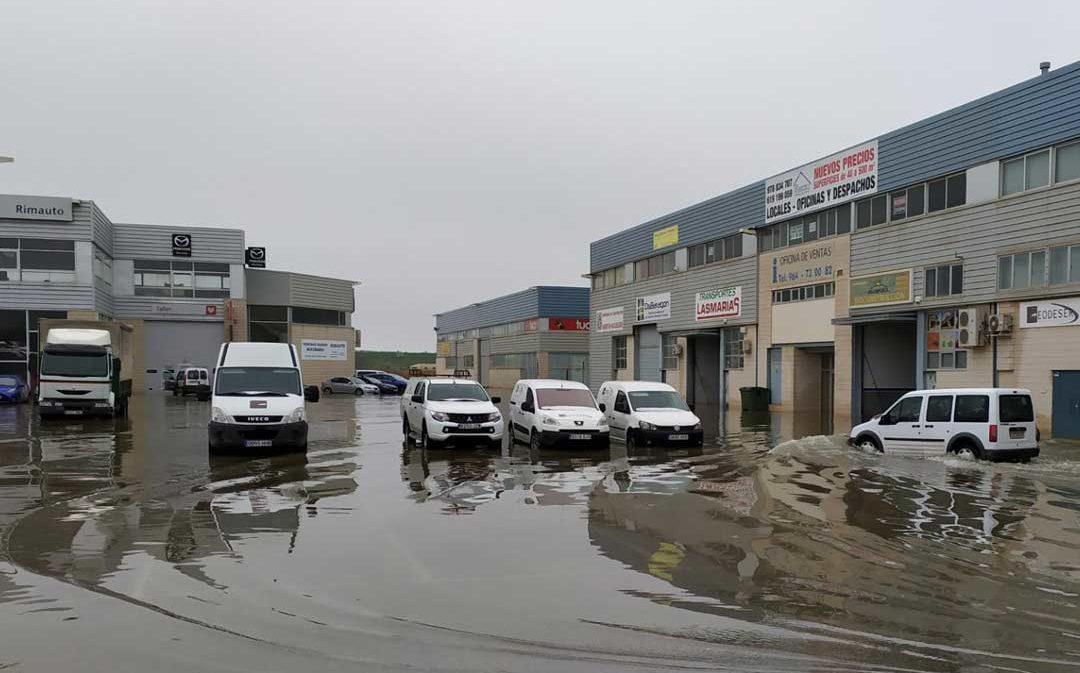 Inundadas más de una quincena de empresas del polígono La Laguna de Alcañiz