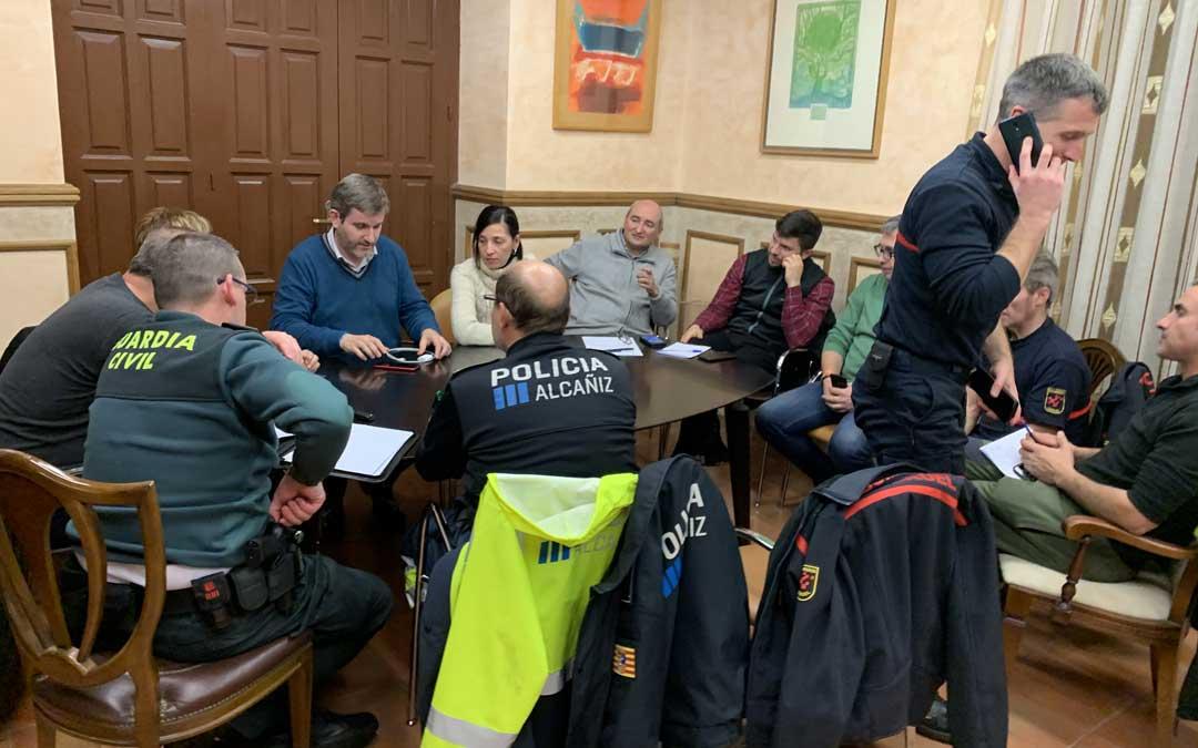 Reunión de coordinación este martes de todos los portavoces municipales (PSOE, IU, CS, PP y PAR), Bomberos, Policía Local, Guardia Civil y Brigada / Ayto. Alcañiz