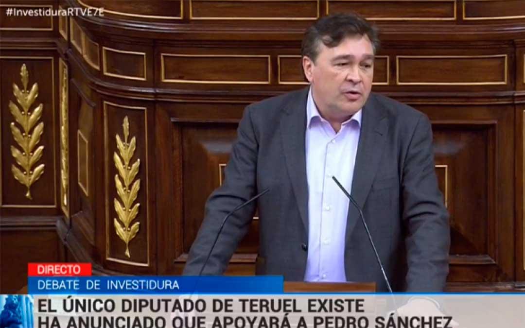 Tomas Guitarte, en un momento de su intervención en el pleno de investidura de este martes./ RTVE