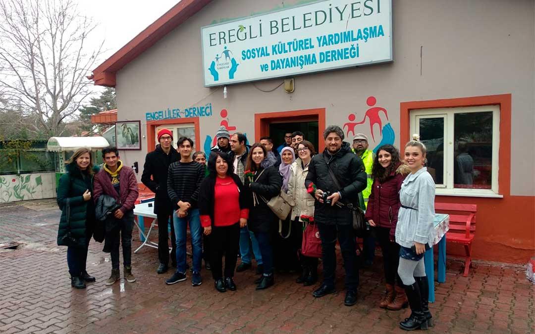 Visita a un centro de personas con discapacidad pionero en Turquía./ La Comarca