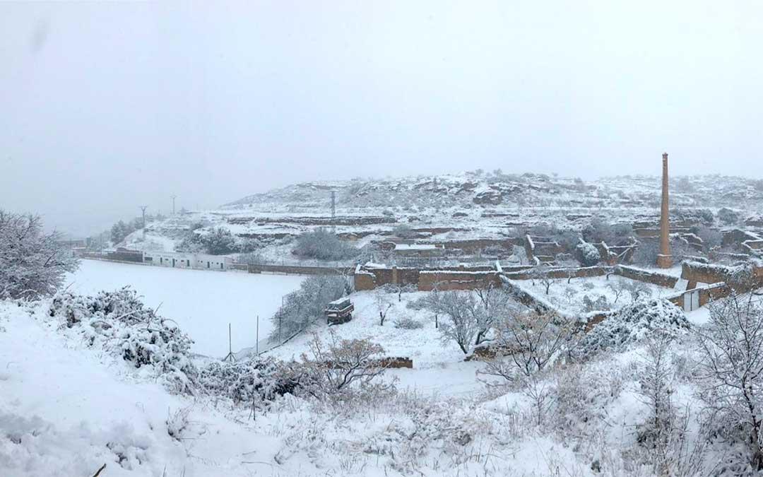 Campos de Valdealgorfa cubiertos de nieve por la borrasca Gloria. / Esther Icart