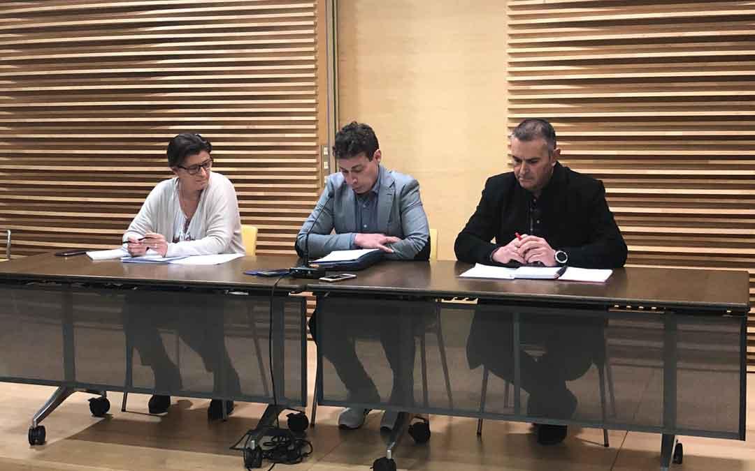 Los representantes de ACOM en la rueda de prensa el pasado viernes