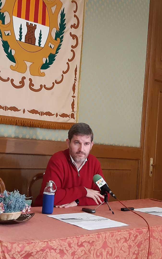 El alcalde, Ignacio Urquizu, en la rueda de prensa de presentación de los actos. / B. Severino