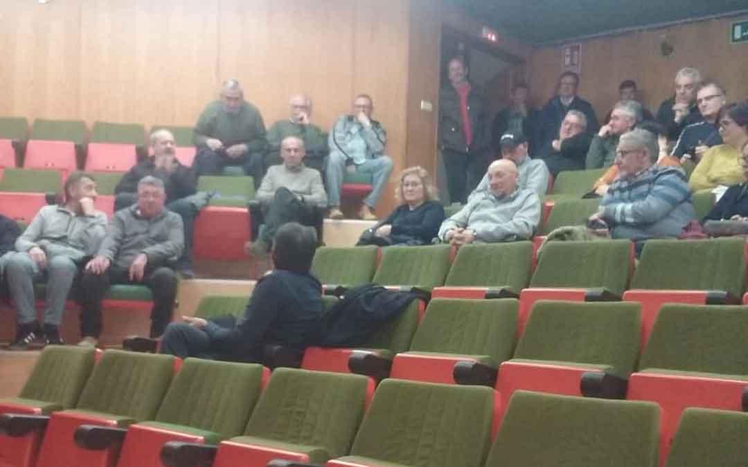 La asamblea convocada por los trabajadores de Andorra este martes contó con poca afluencia