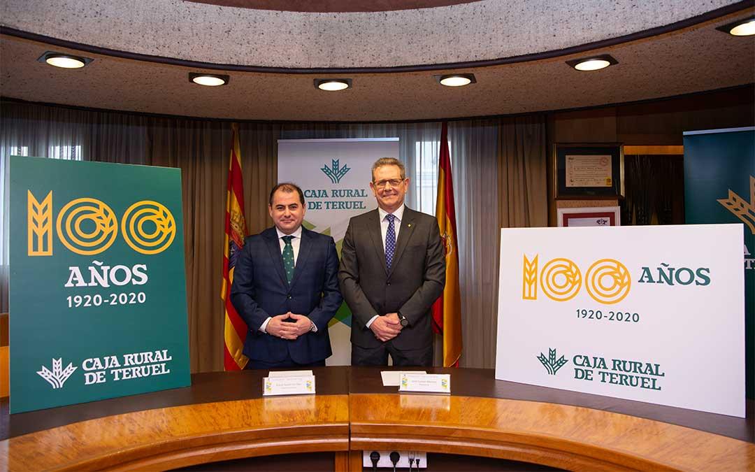 David Gutiérrez Diez, Director General de Caja Rural de Teruel ,y José Cuevas Moreno, Presidente de la entidad.