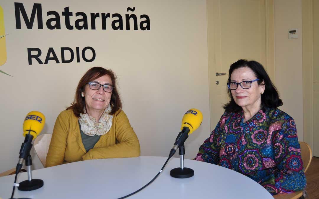 Ángeles Cerdá y Carmen Gil, presidenta de la Junta de Santa Águeda de Valderrobres.