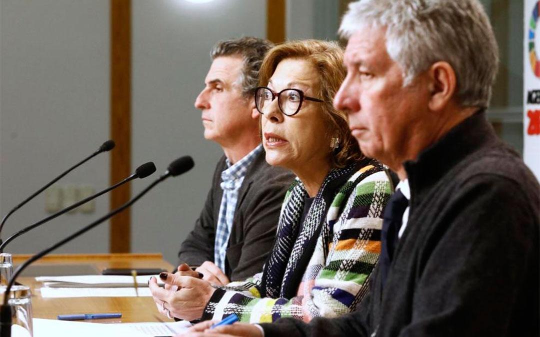 Rueda de prensa de la consejera de Sanidad, Pilar Ventura, tras conocerse el posible caso de coronavirus en Aragón./ Oliver Duch