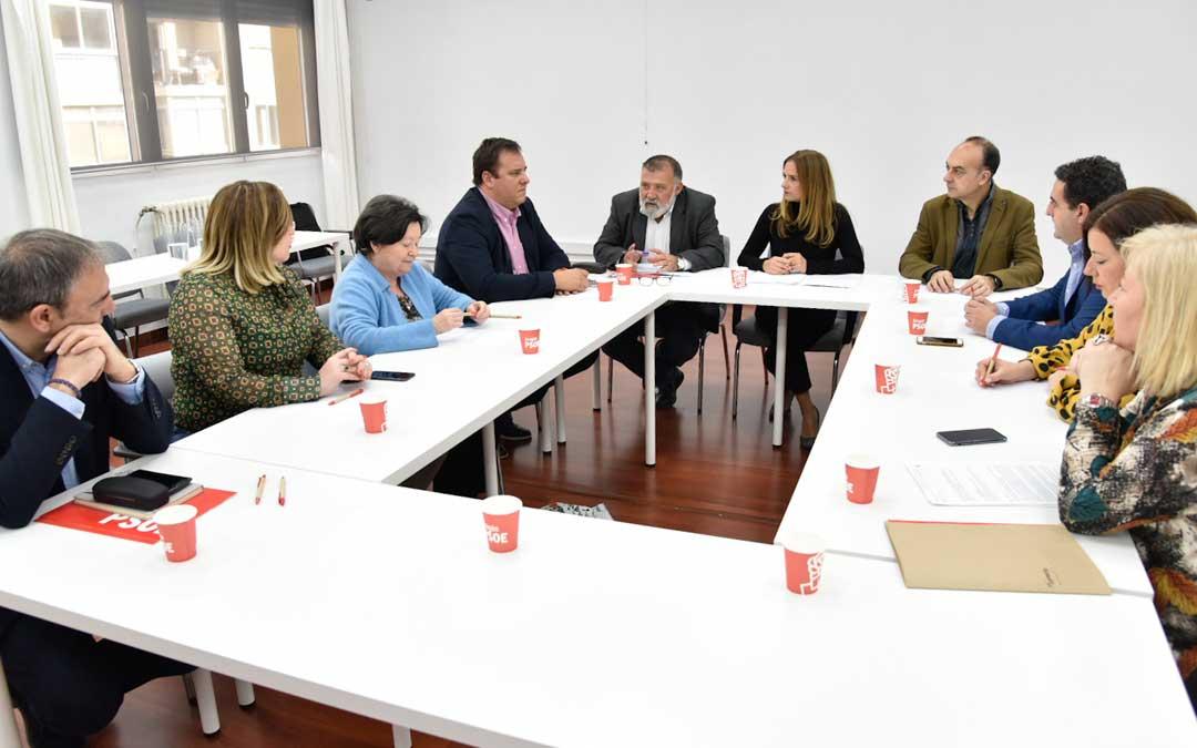 Reunión de los diputados y senadores aragoneses con las organizaciones agrarias / PSOE Aragón