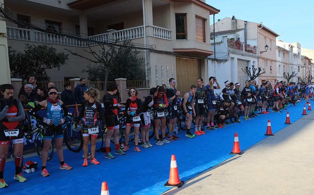 168 deportistas participan en el II Duatlón Larga Distancia de Híjar