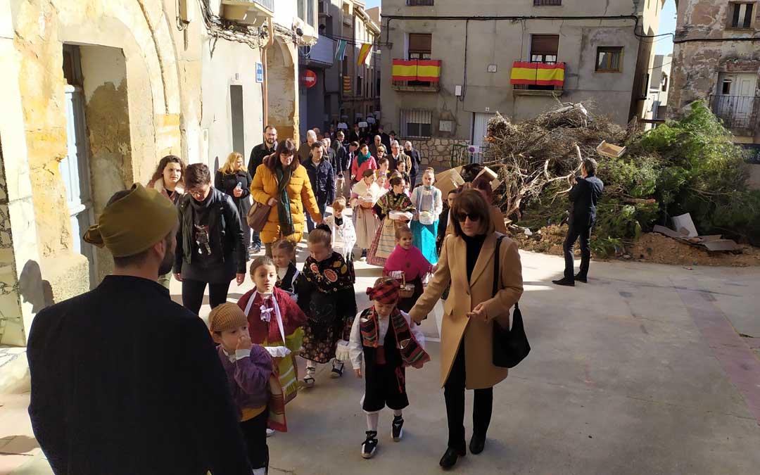 Procesión en el día de Santa Águeda en Escatrón. / Juan A. Peñalver