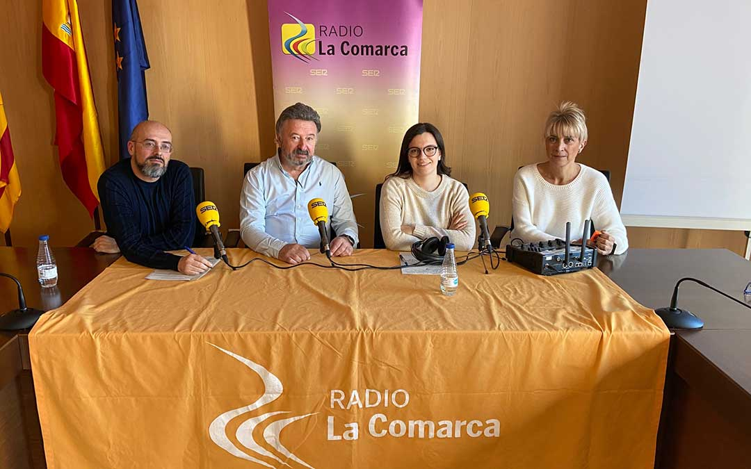 Invitados al programa especial emitido desde la sede comarcal, en Utrillas./ L.C.