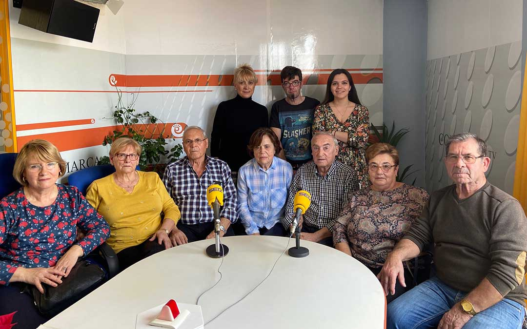 Algunos de los invitados al programa especial Teruel ciudad del amor./ L.C.