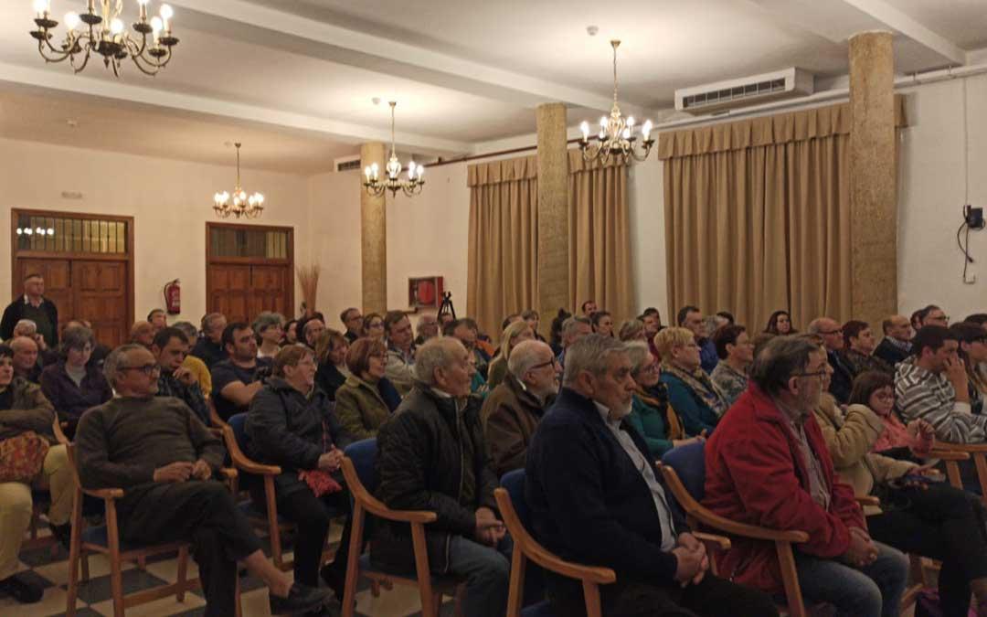 Decenas de personas asistieron a las charlas en La Fresneda y Valjunquera