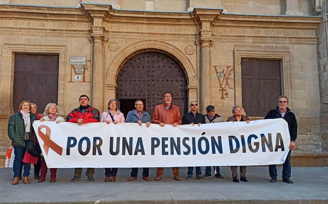 """Los jubilados llevan dos años exigiendo unas pensiones """"dignas"""" cada lunes"""