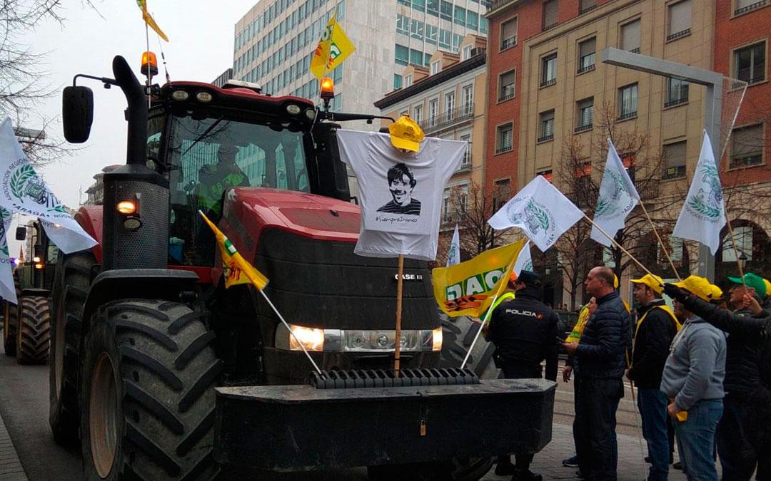 Alrededor de 2.000 agricultores y ganadores protestaron el pasado 28 de enero en Zaragoza./ L.C.
