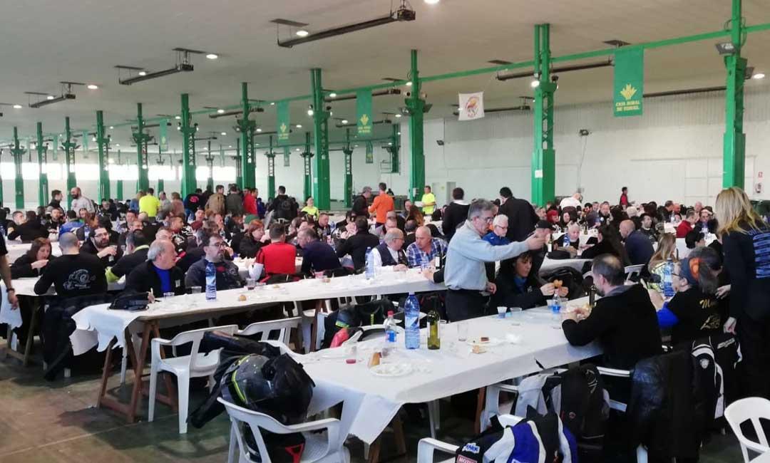 El Mañoalmuerzo alcañizano reúne a más de 700 moteros