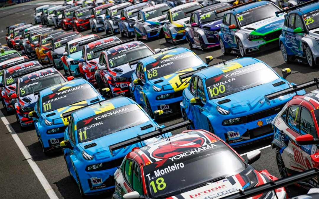 Parrilla de salida de una de las pruebas del Campeonato del Mundo de Turismos./ Motorland Aragón