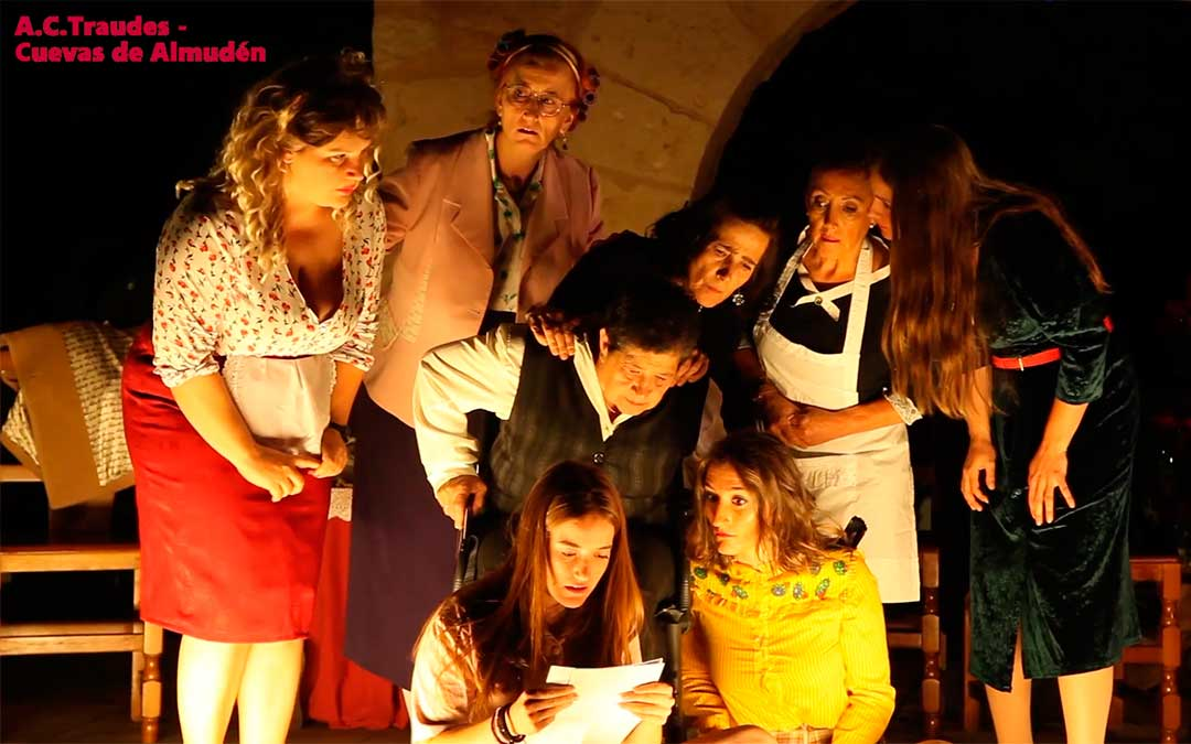 Obra '8 mujeres'./ Ayuntamiento de Utrillas
