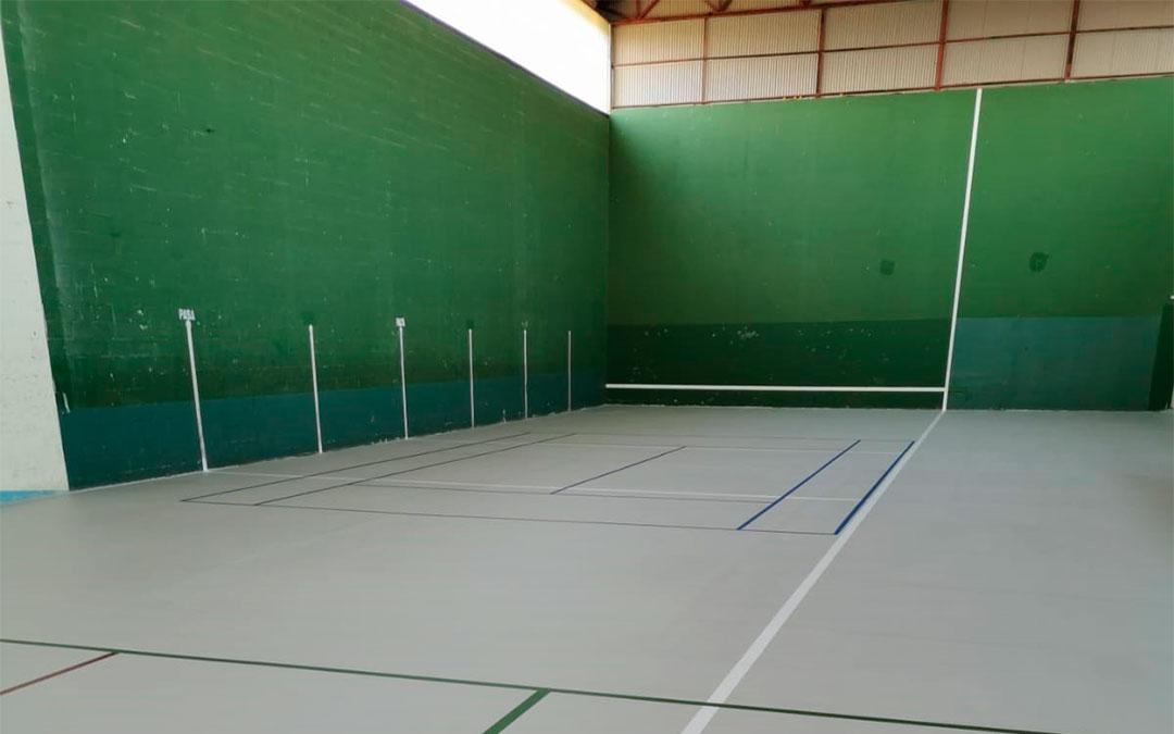 Se han renovado los 1.800 metros cuadrados del pavimento del Pabellón nº 1 de Caspe./ Ayuntamiento de Caspe