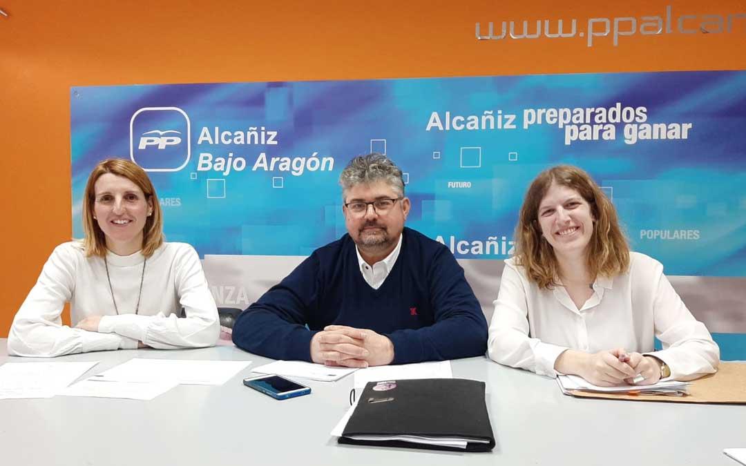 Los consejeros Anabel Fernández, José Miguel Celma y Silvia Casas, este jueves, en rueda de prensa