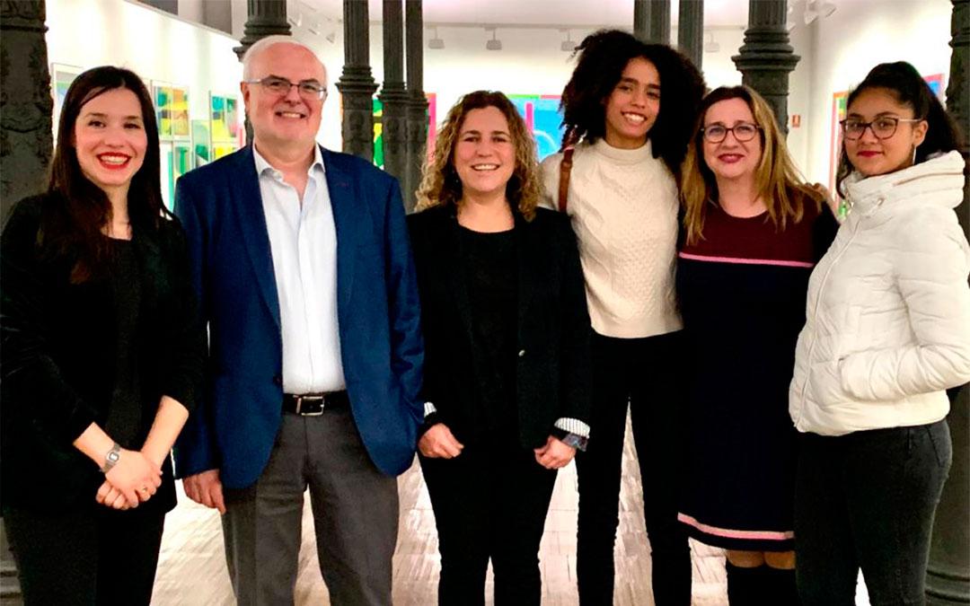 Alumnos y profesorado del IES durante el acto institucional en Zaragoza./ P.N.