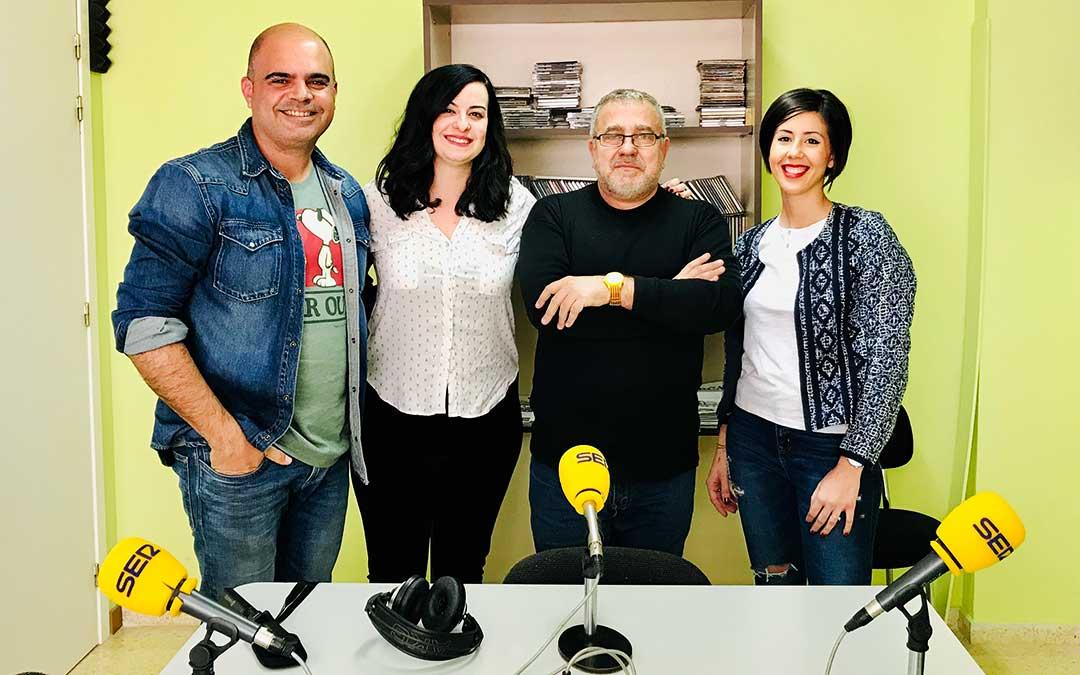 Emilio Maza, de Joyerías Maza; Cristina Sancho, de Peluquería Studio 93; y César La Rosa, fotógrafo conocido como 'El Gancho'.