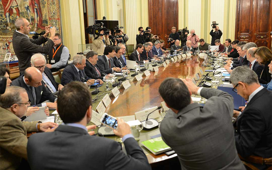 El ministro Planas se reúne con el sector del olivar./ Ministerio de Agricultura