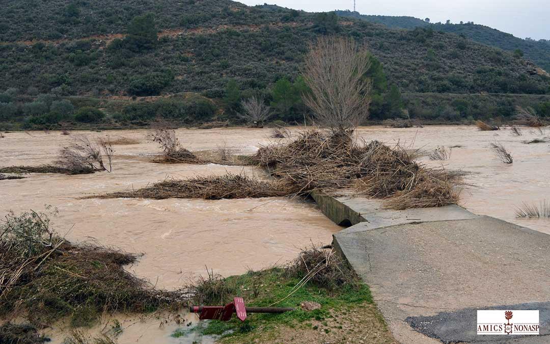Desaparición de un camino en Nonaspe.