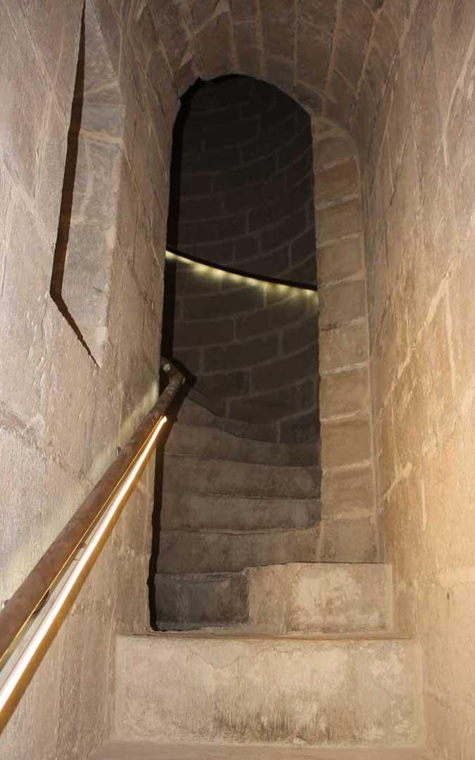 La Torre Gótica tiene 171 escalones