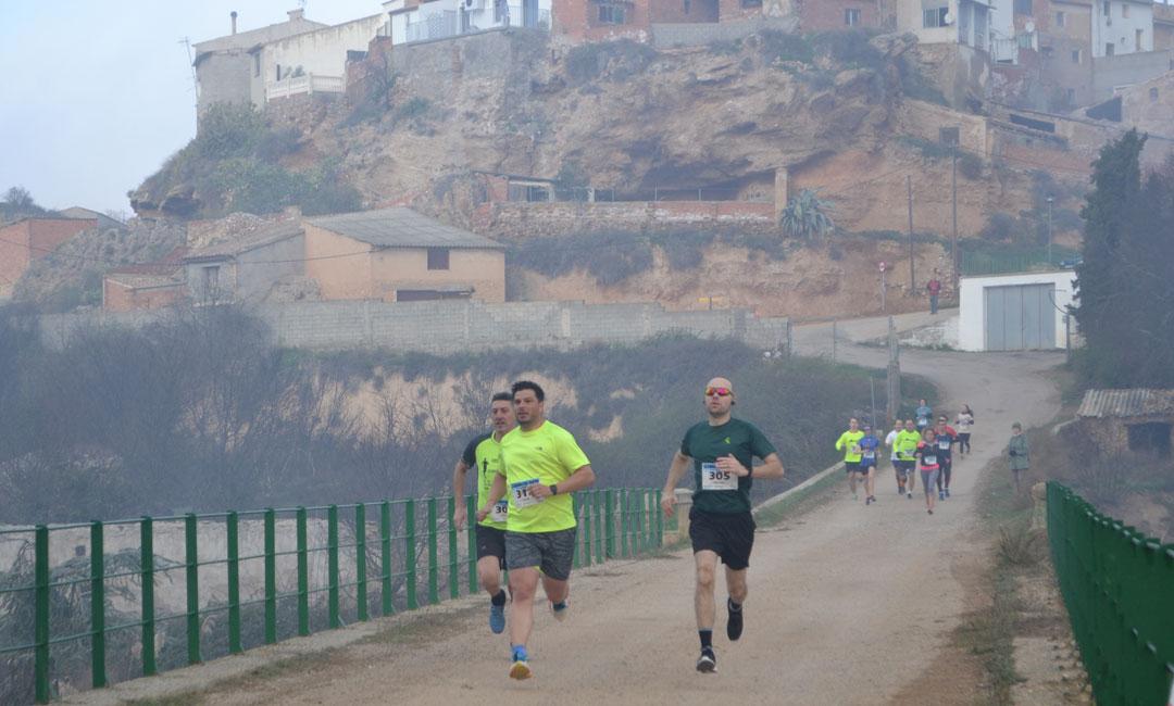 Javier Barea y Mirian Llop, vencedores del Trail de Urrea de Gaén