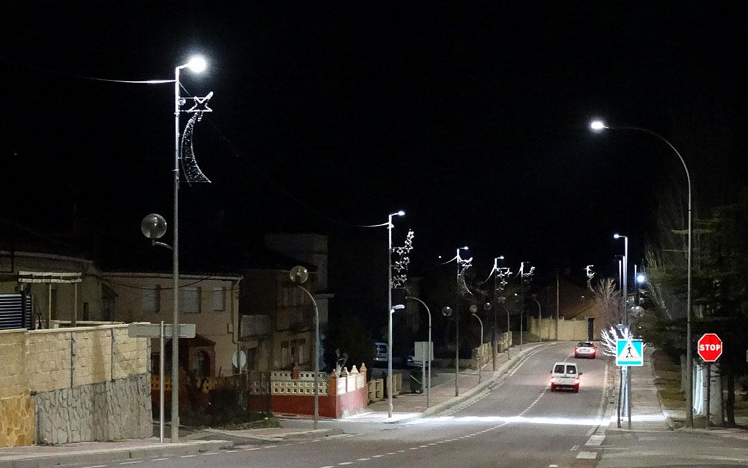 Imagen de las luminarias sustituidas en el tramo de la carretera que atraviesa Utrillas./ Ayto. de Utrillas