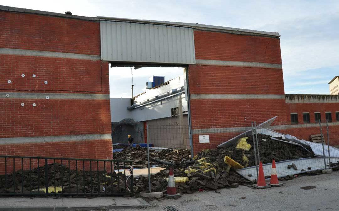 El derrumbe del pabellón de Valderrobres sigue afectando a más de 600 alumnos