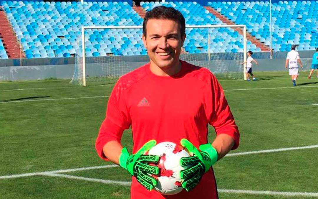 Imagen del preparador físico del Club Deportivo Caspe, Alberto Lahoz.